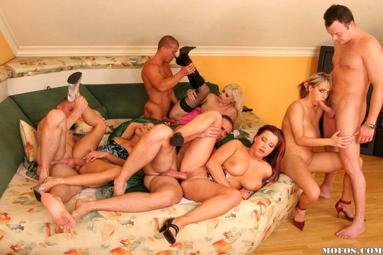 Порно фото групповое российское, проститутки размер бедер