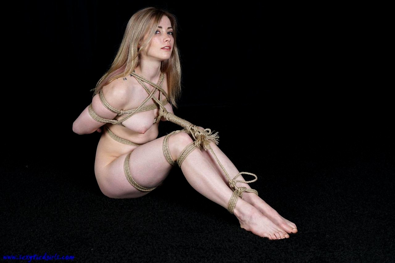 sexy naked tied girls