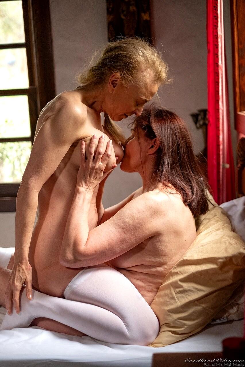 Lesbian Teacher Plays Student