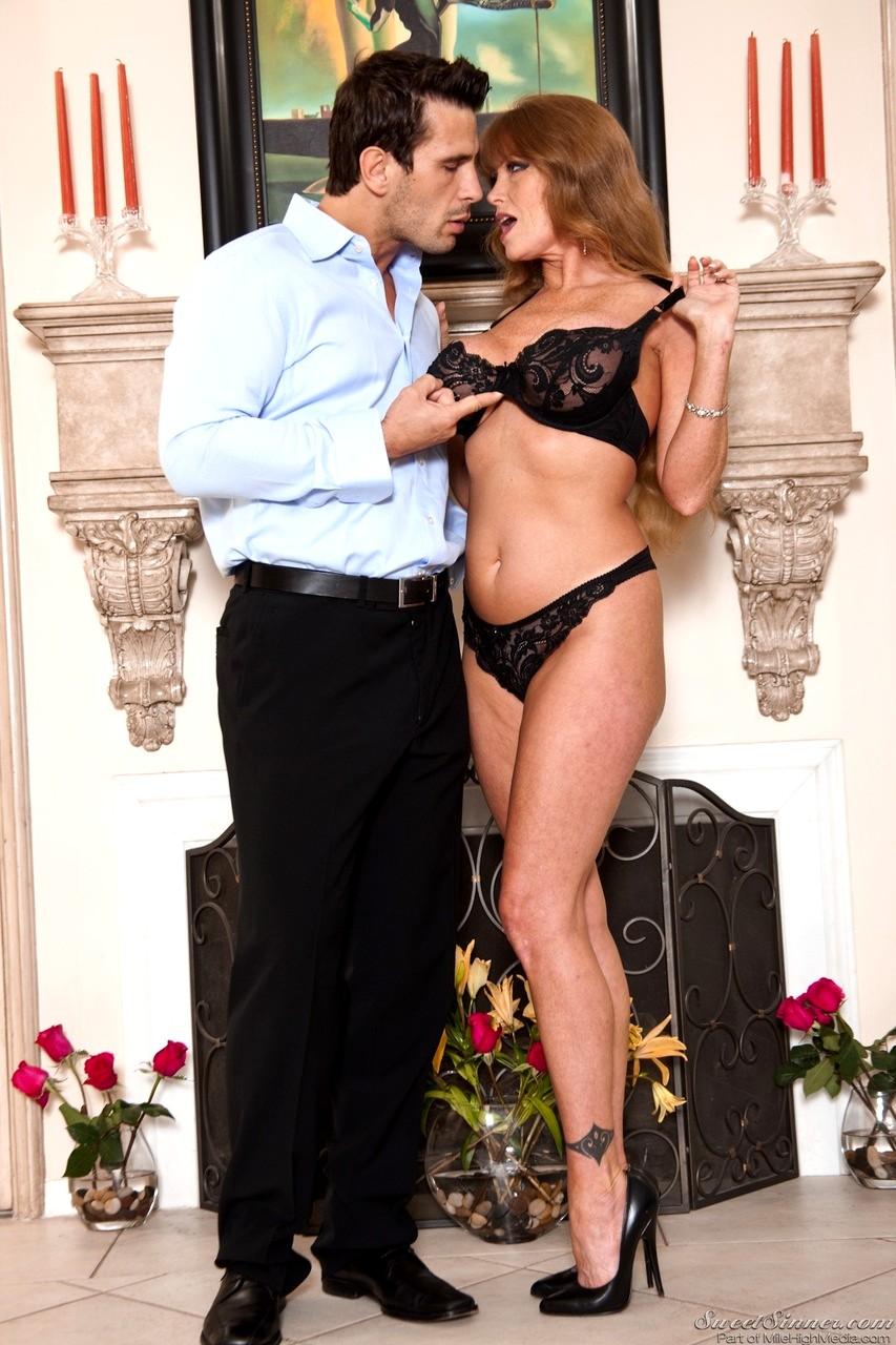 Darla Crane kann nicht genug bekommen sex mit Manuel Ferrara