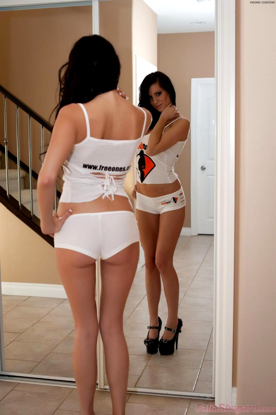 Latino lesbians pictures