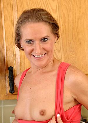 Sara James