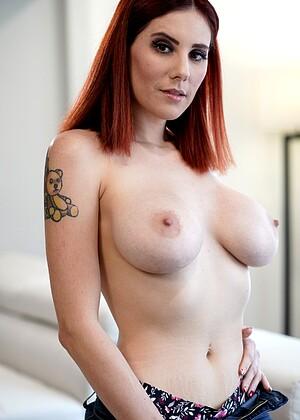 Lilian Stone