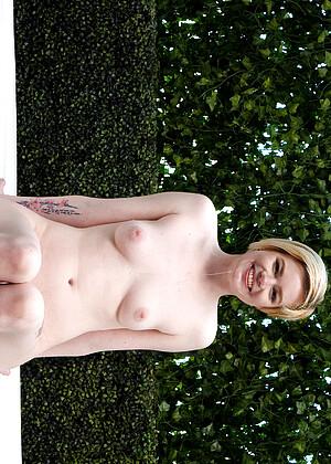 Pearl Sinclair