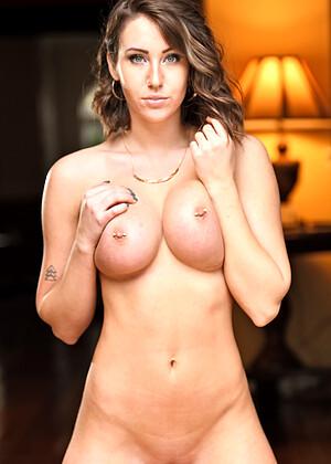 Kristen Noelle