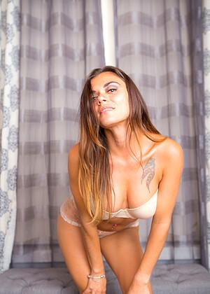 Veronica Buleau
