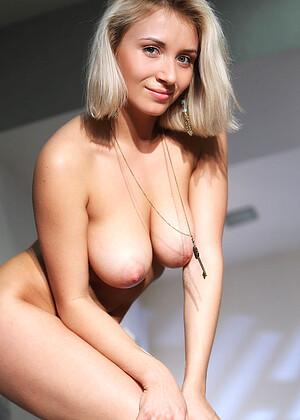 Ella C