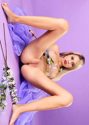 Laura J