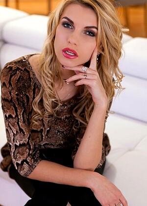 Karina Grand