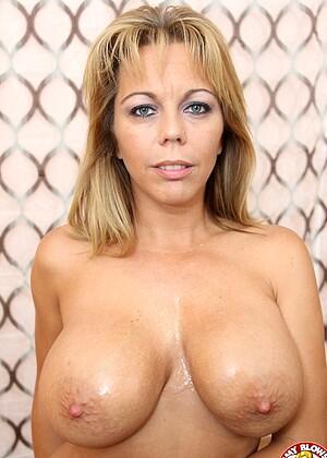 Amber Lynn Bach