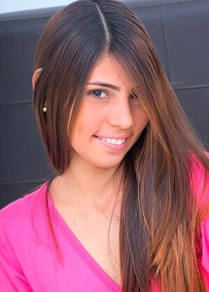 Mily Mendoza