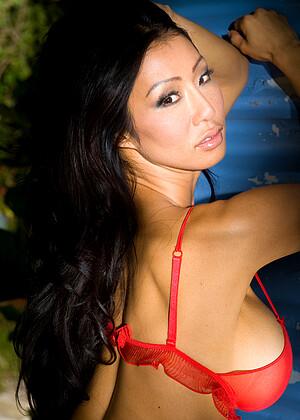 Kiana Kim