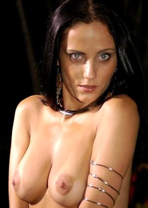 Yasmin Castelly