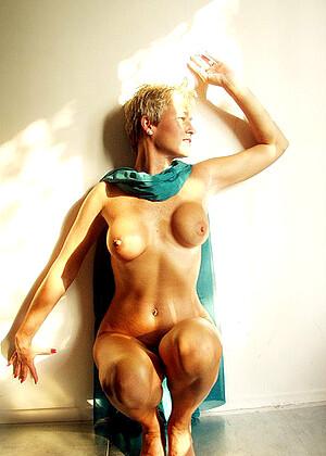 Tracy Licks