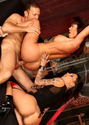 Nikita Bellucci Anal Threesome
