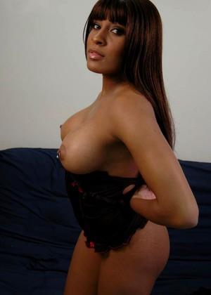 Yasmine Love